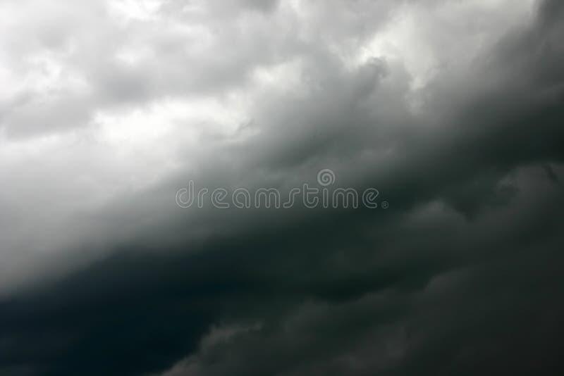 niebo jedwabiście burzy. obrazy royalty free
