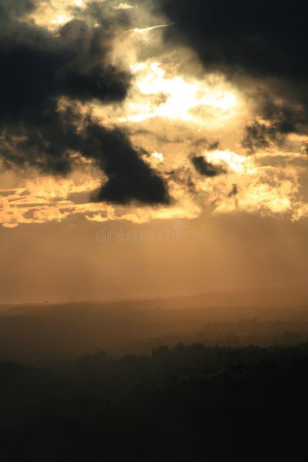niebo nad miastem obrazy stock