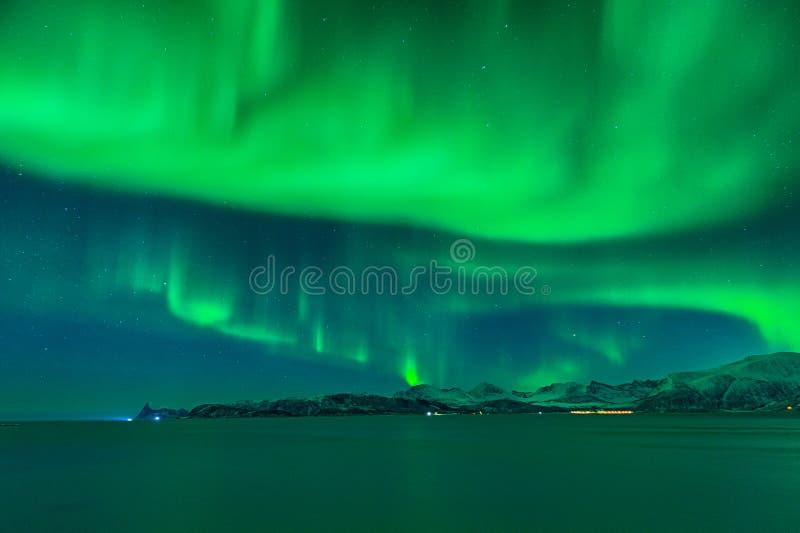 Niebo Norwegia zawijał chmurą zorz borealis zdjęcia royalty free