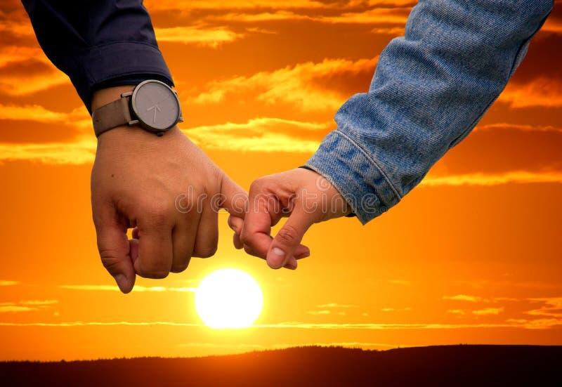 Niebo, ręka, palec, światło słoneczne