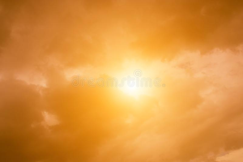 Niebo wieczór światła słonecznego gorąca strefa dla tła w projekcie i a zdjęcie royalty free