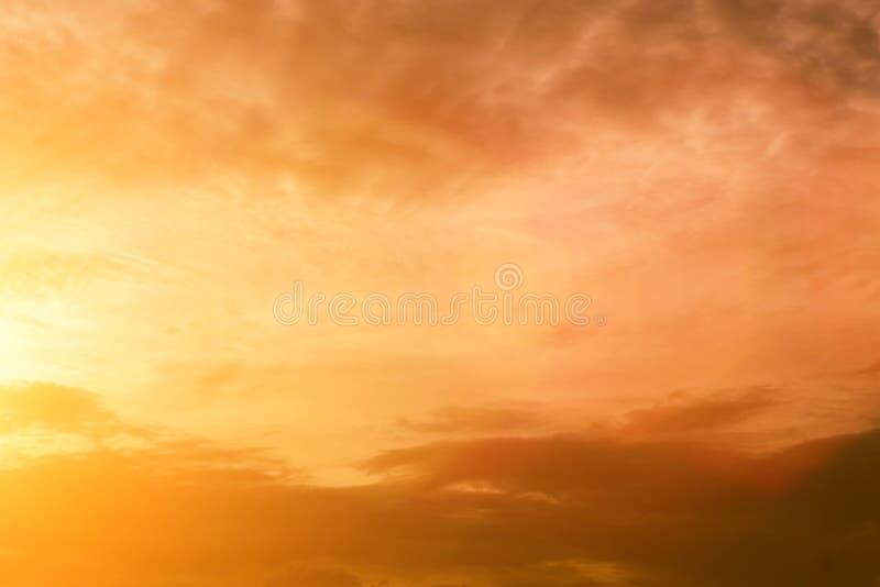 Niebo wieczór światła słonecznego gorąca strefa dla tła w projekcie i a obrazy royalty free
