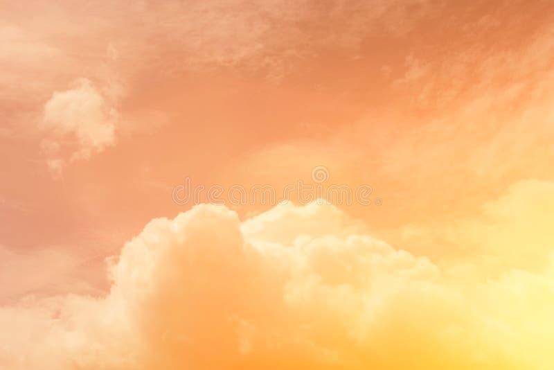 Niebo wieczór światła słonecznego gorąca strefa dla tła w projekcie i a obrazy stock