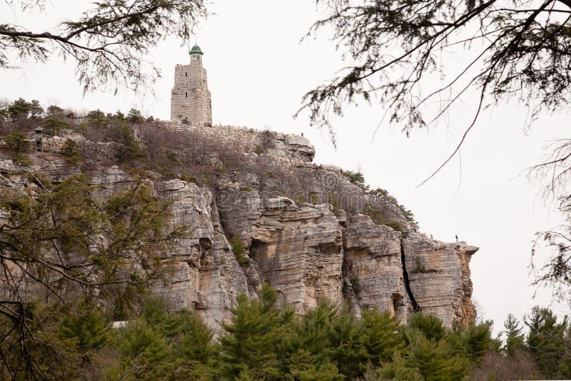 Niebo wierzchołka wierza przy Mohonk Moutain domem fotografia royalty free