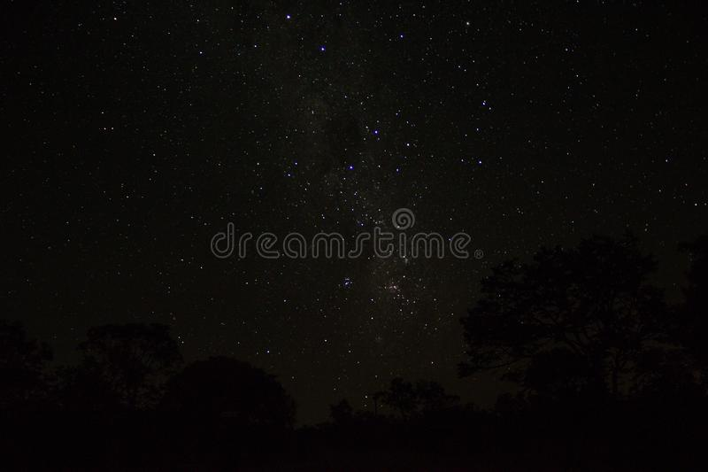 Niebo wnętrze daleko od jakaś światła, jest zawsze piękny i gwiazdy pełno obraz royalty free
