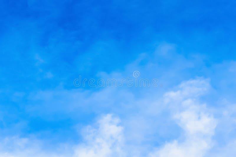 Niebo z chmurami rusza się z wiatrem obrazy royalty free