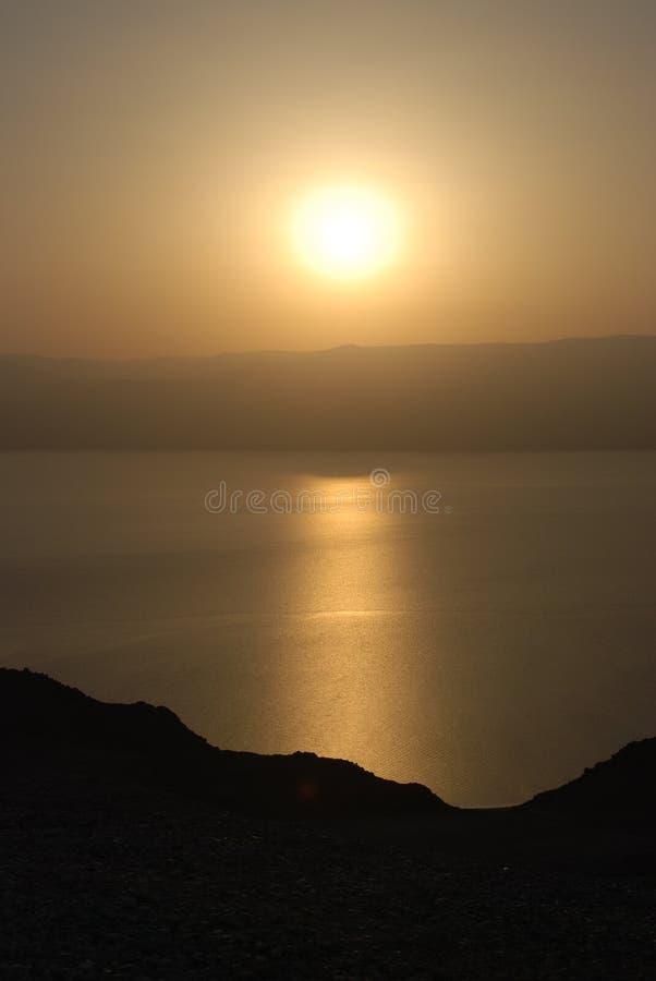 nieboszczyk nad dennym wschód słońca obrazy stock