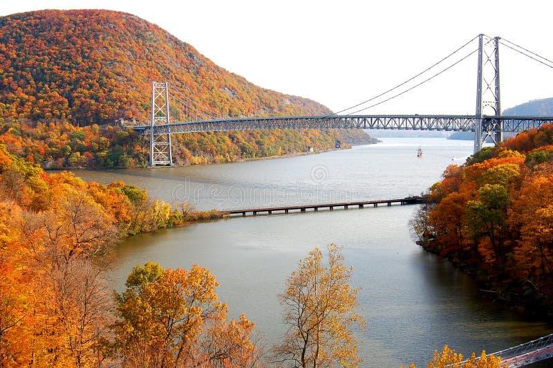 Niedźwiadkowy góra most zdjęcie royalty free