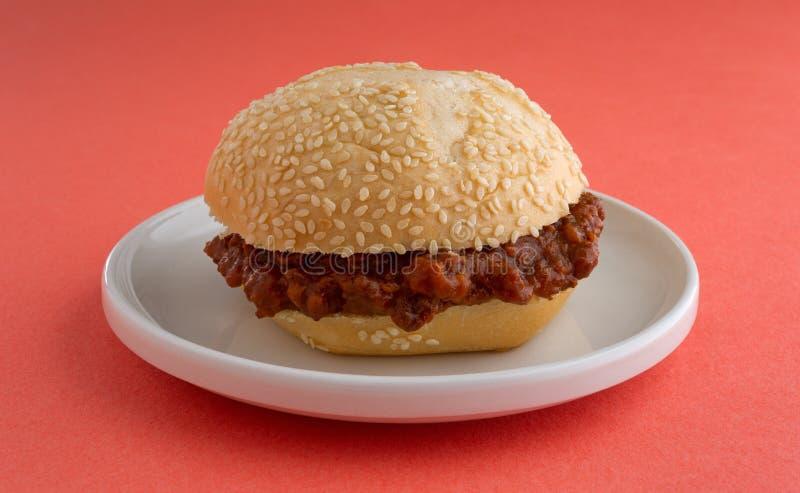 Niedbałego Joe kanapka na małym talerzu fotografia stock