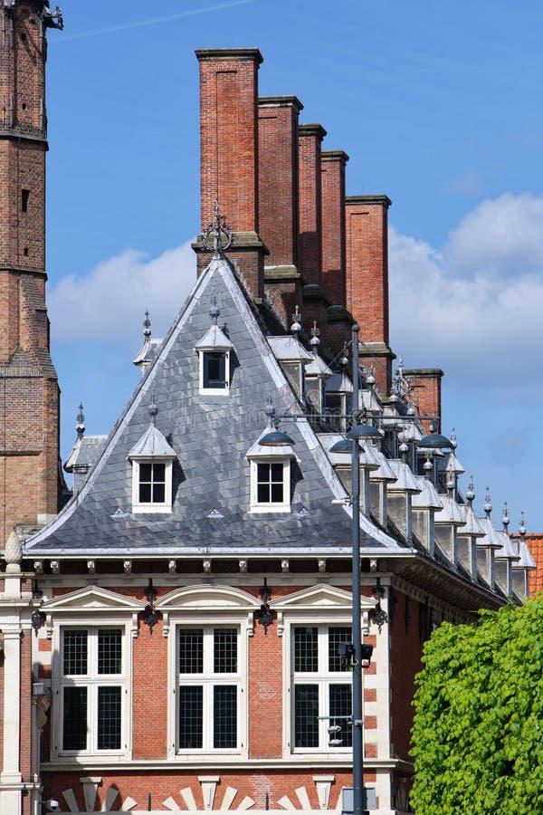 Niederländische historische Haus-Fassade lizenzfreie stockfotos