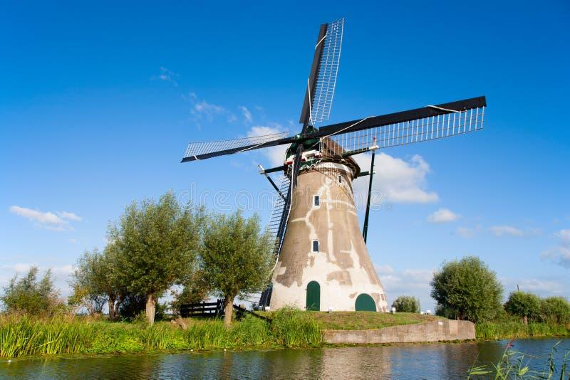 Niederländische Windmühle lizenzfreie stockfotografie