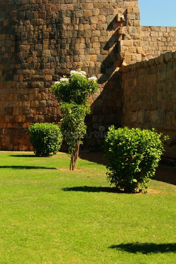 Niedokończony battlement antyczna Brihadisvara świątynia w Gangaikonda Cholapuram, ind zdjęcia stock