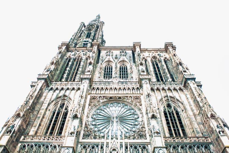 Niedrige Winkelsicht Cathedrale Notre-Dame stockbilder
