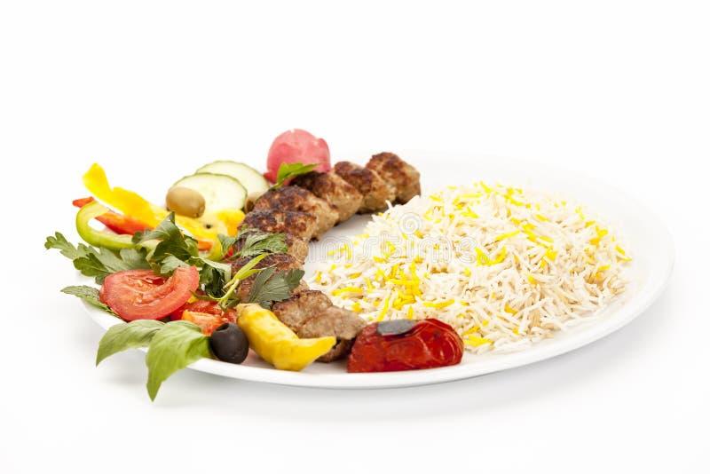 Niedrige Winkelsicht des gegrillten Lamm-Kebabs Kubide stockbilder