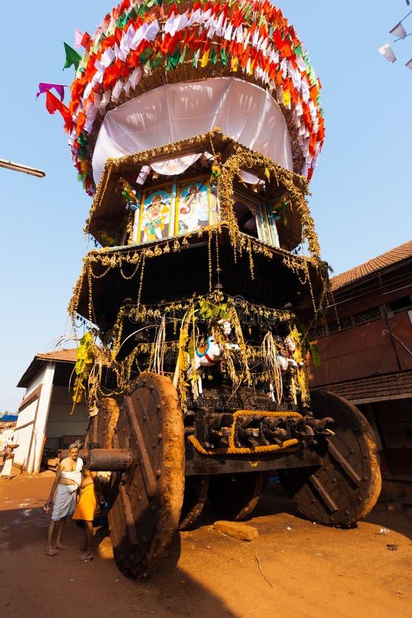 Niedriger Winkel großer Ratha Chariot Gokarna voll stockfotografie