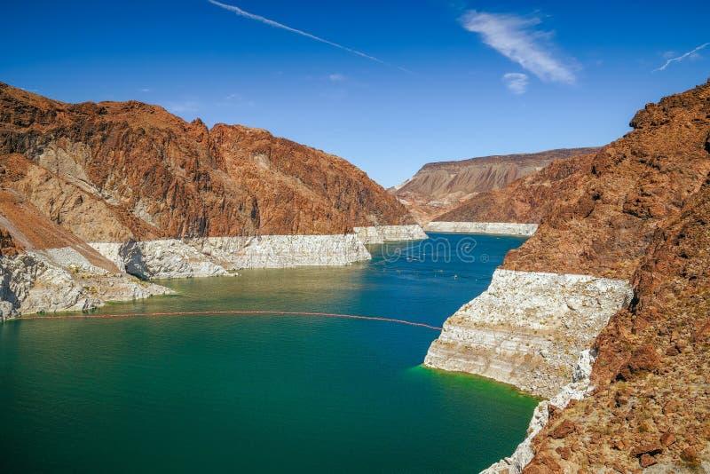 Niedrigwasser in Lake Mead im Herbst Ansicht von der Arizona-Seite USA lizenzfreies stockfoto