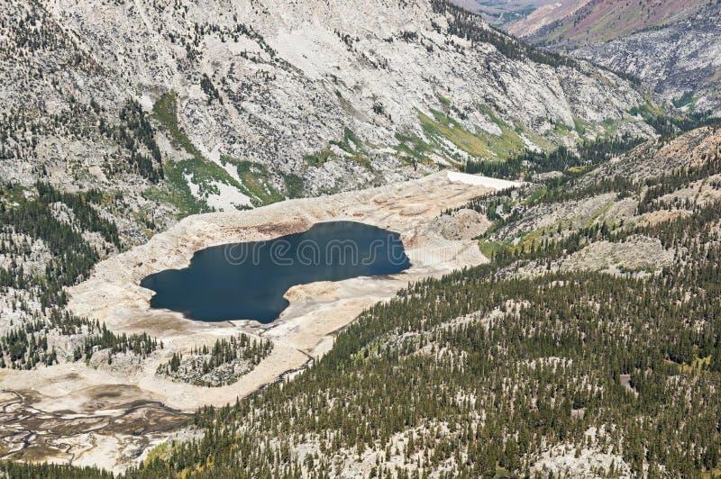 Niedrigwasser-Niveau im Reservoir lizenzfreies stockbild