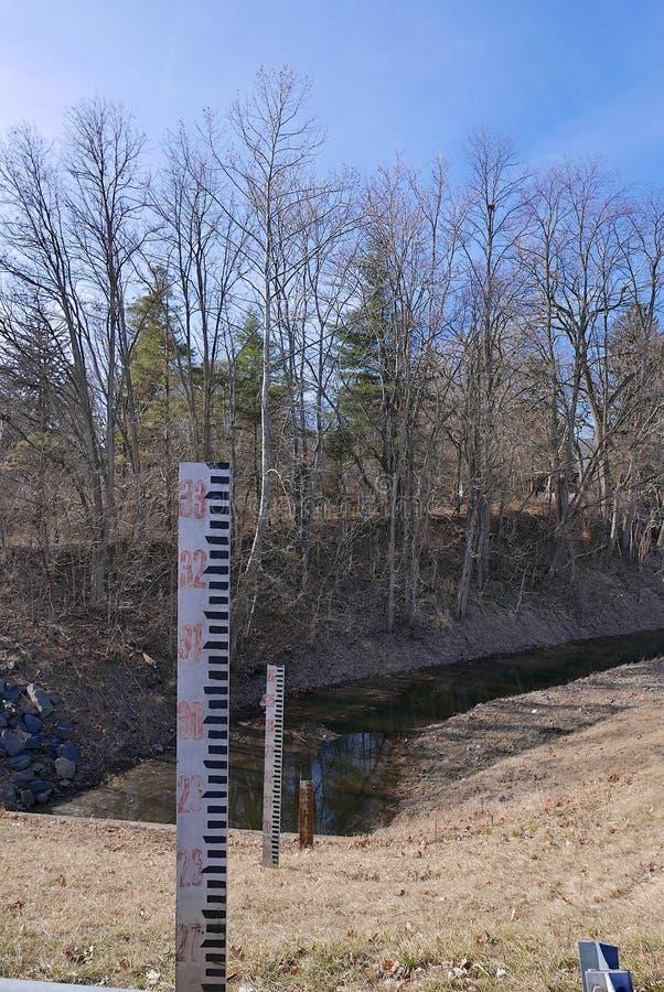 Niedrigwasserniveau lizenzfreies stockfoto
