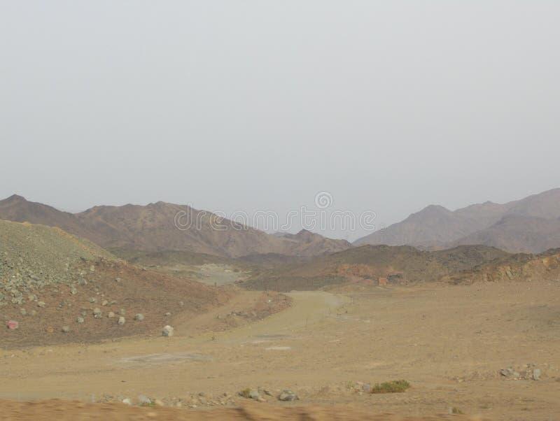 Nieformalny budynek mieszkalny W saudyjczyku - arabska pustynia zdjęcia royalty free