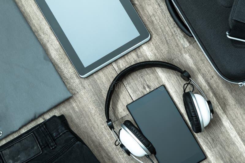 Nieformalny strój i elektronika zdjęcie stock