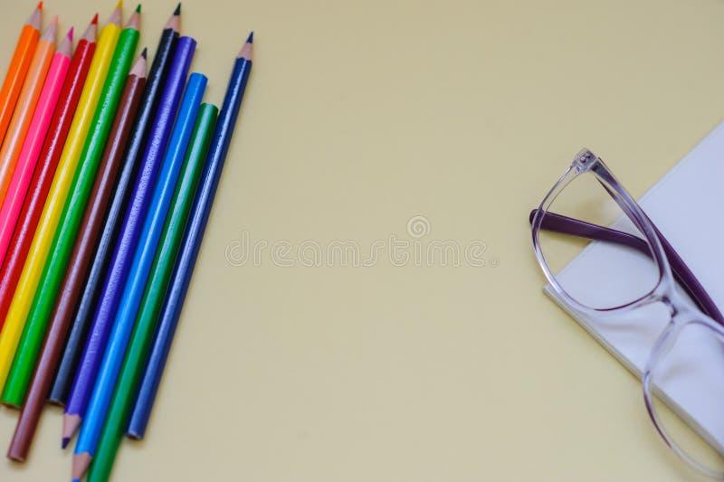 Niekt?re barwioni o??wki z instrumentami drow zdjęcia stock