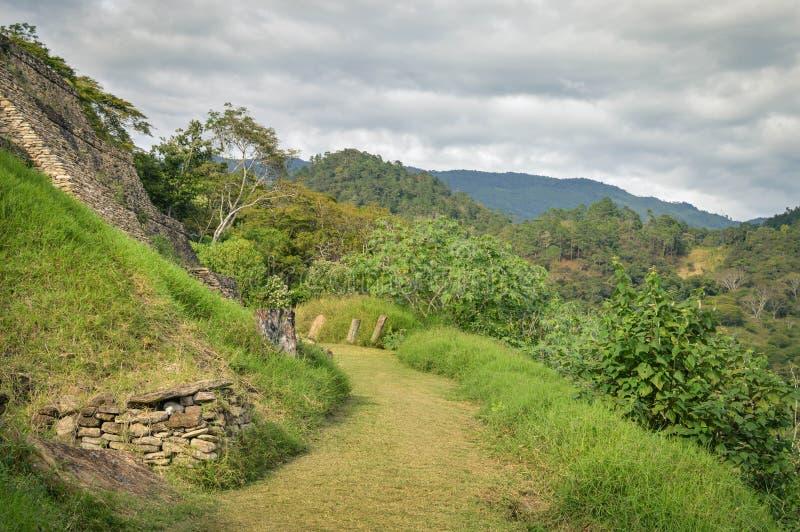 Niektóre struktury Tonina archeologiczny miejsce w Chiapas, Meksyk zdjęcie royalty free
