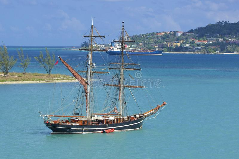 Nielegalnie kopiować łódź w Montego Bay w Jamajka, Karaiby obraz stock