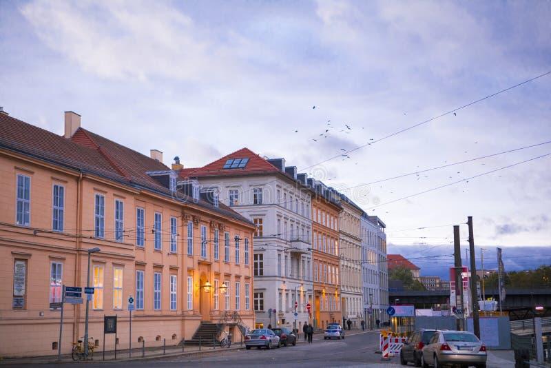 Niemcy, Berlińska Muzealna wyspa, Starzy budynki, Historyczni budynki, Neoklasyczny wiktoriański styl, Piękny wieczór półmrok obrazy stock