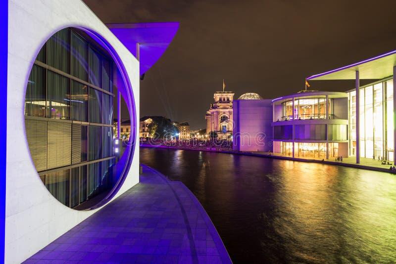 7 8 2018 NIEMCY, Berlin BERLIN Niemcy, Marie-Elisabeth-Lueders-Haus w rządowym okręgu Berlin z niezidentyfikowanym -, - fotografia royalty free