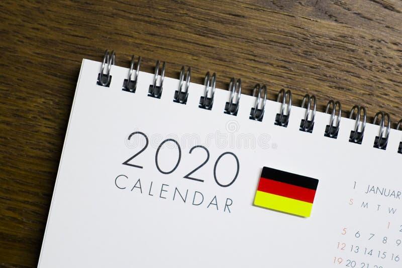Niemcy flaga na 2020 kalendarzu zdjęcia stock