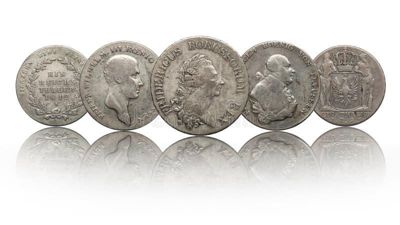 Niemcy srebnych monet niemiecki talarowy prussia odizolowywaj?cy na bia?ym tle obraz royalty free