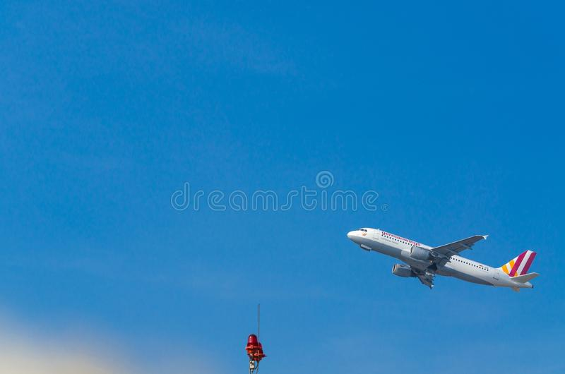 Niemiec Uskrzydla Aerobus A320-200 podczas rozpocz?cia zdjęcia royalty free