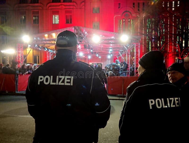 Niemieccy policjanci Polizei przy pracą obrazy royalty free