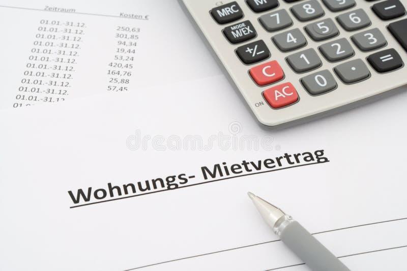 Niemiecka do wynajęcia zgoda w niemiec - Mietvertrag Wohnung - fotografia stock