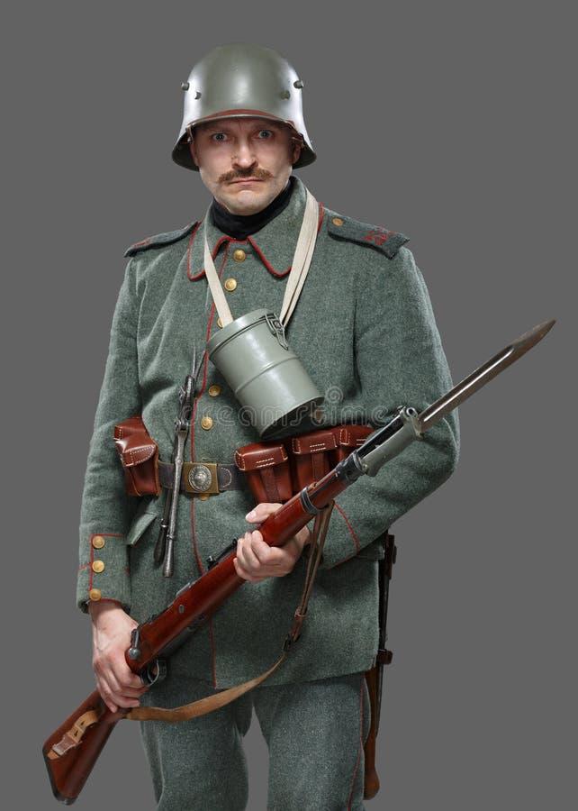 Niemiecki infantryman podczas pierwszy wojny światowa. obrazy stock