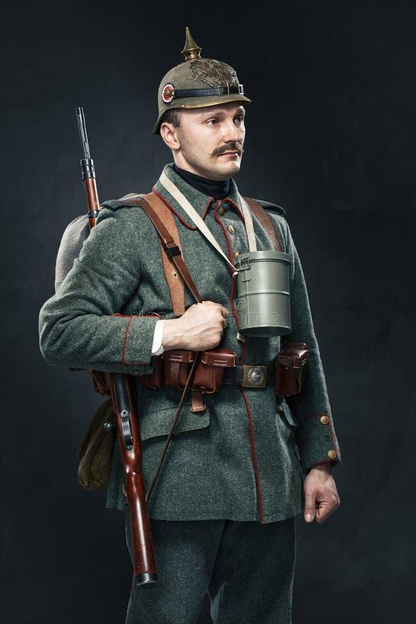 Niemiecki infantryman podczas pierwszy wojny światowa. obrazy royalty free