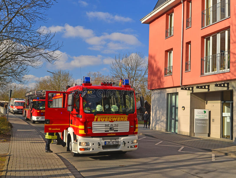 Niemiecki jednostki straży pożarnej szkolenie fotografia stock