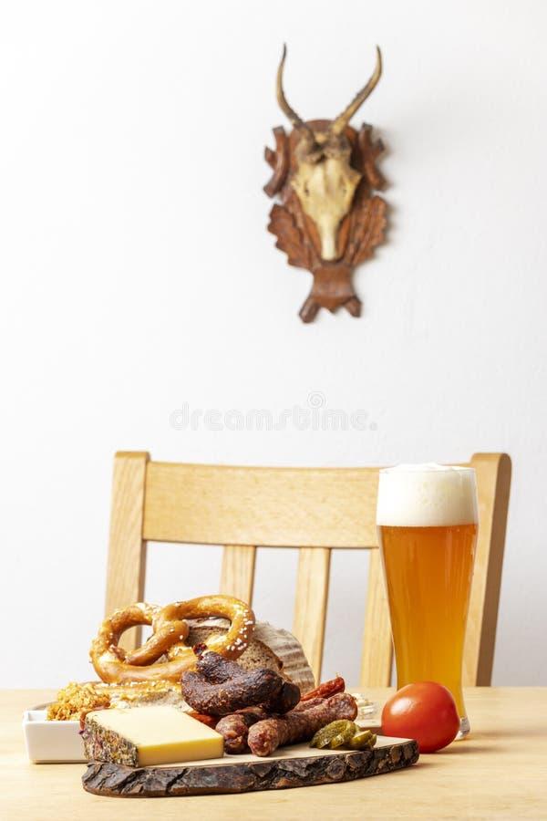 Niemieckie kiełbasy z serem obraz royalty free