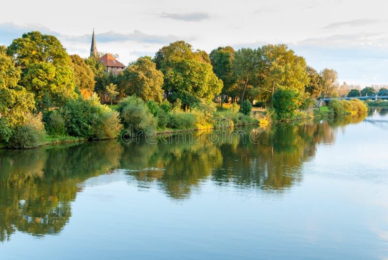 Nienburg en el río Weser fotos de archivo libres de regalías