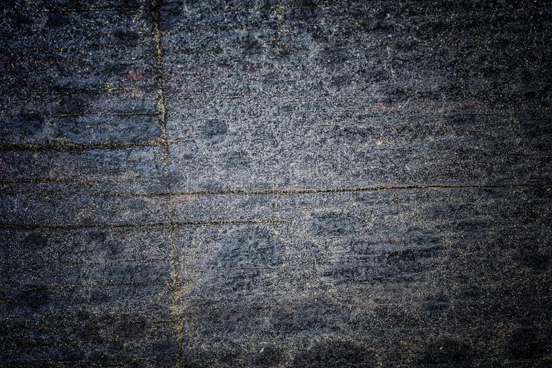 Nieociosana drewniana tekstura i pęknięcia na powierzchni jako tło Dus zdjęcie royalty free