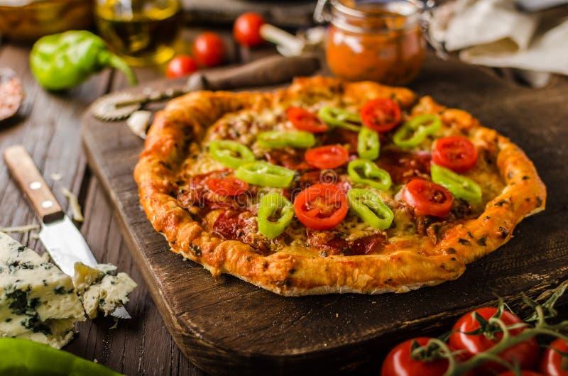Nieociosana starego stylu rocznika pizza fotografia stock