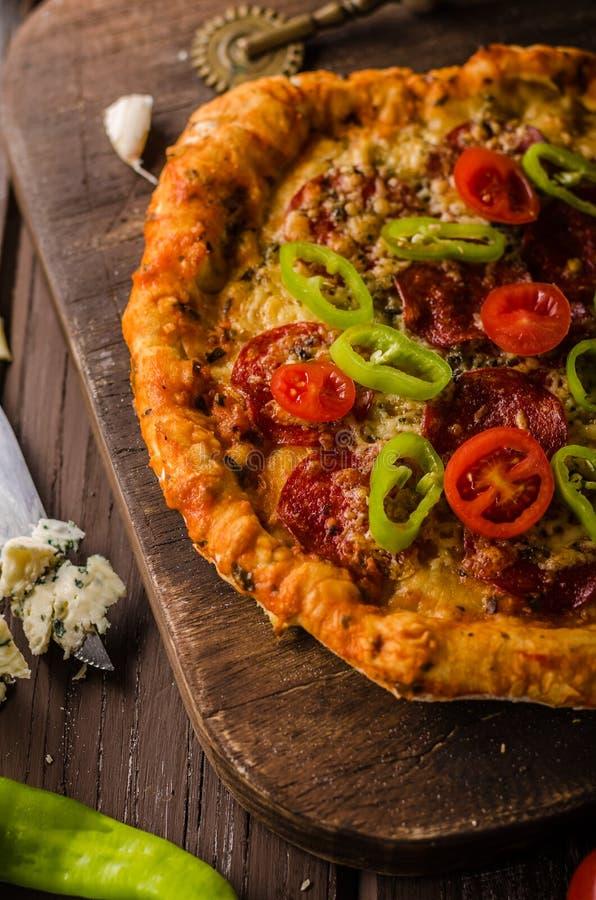 Nieociosana starego stylu rocznika pizza obraz stock