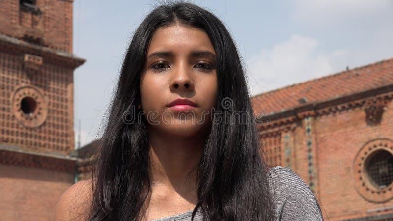 Nieopiekuńcza Apatyczna Nastoletnia dziewczyna fotografia stock