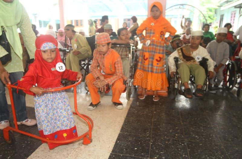 Niepełnosprawni dzieciaki robi pokazu mody fotografia stock