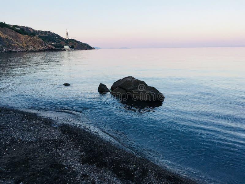 Nieprawdopodobny spokój na morzu fotografia royalty free