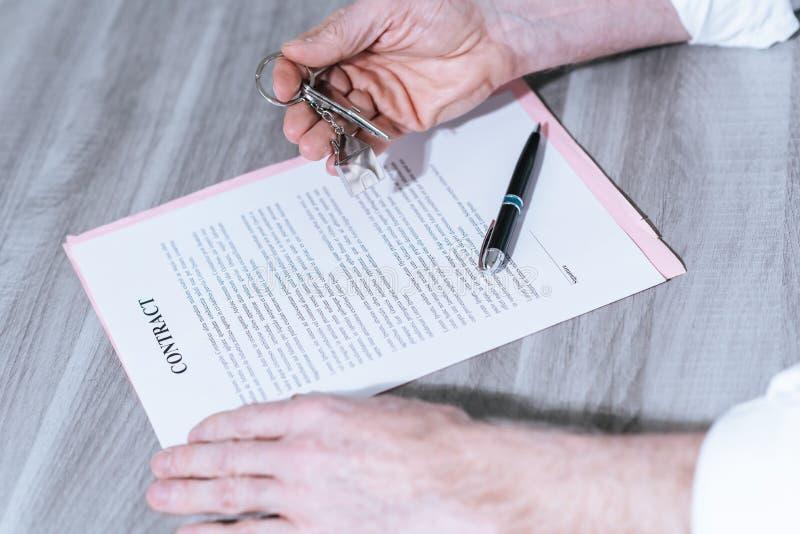 Nieruchomość kontraktacyjny podpis (lorem ipsum tekst używać) obraz royalty free