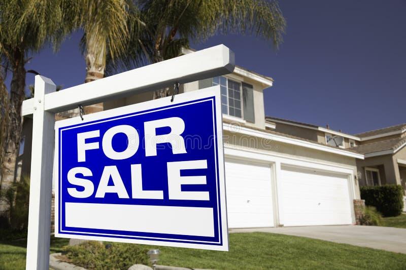 nieruchomości domowy istny sprzedaży znak obrazy royalty free