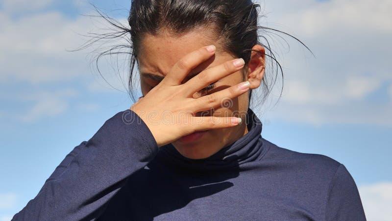 Niespokojna Latina dziewczyna fotografia royalty free
