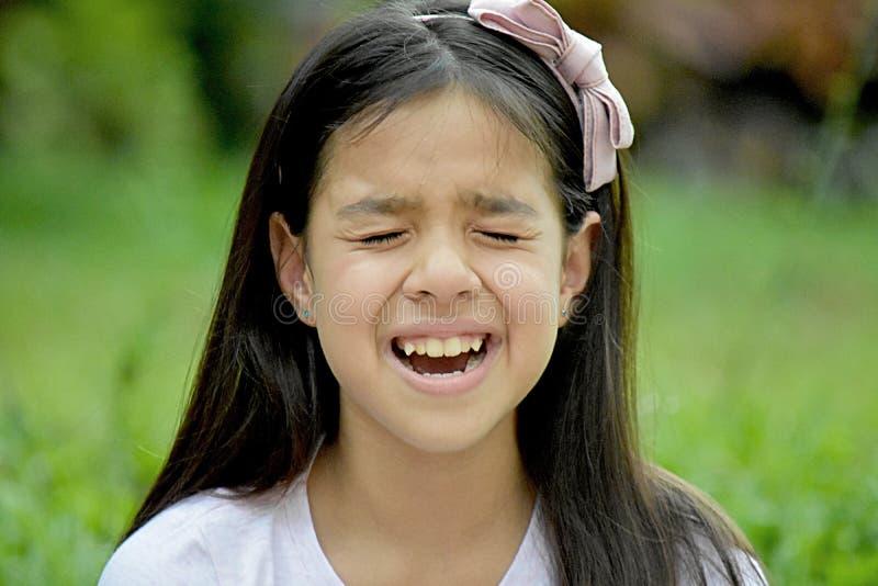 Niespokojny Śliczny filipinka dziewczyny Preteen obrazy stock