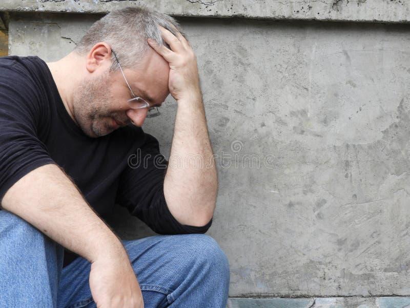 Nieszczęśliwa Nieogolona samiec obrazy royalty free